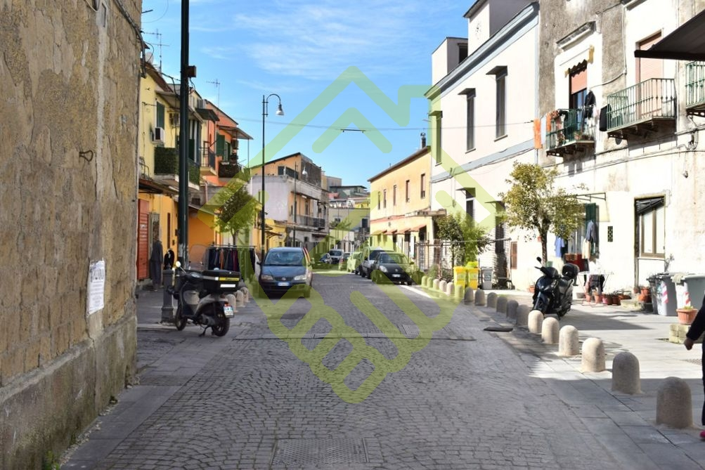 NAPOLI – ZONA OSPEDALIERA (SANTACROCE) 2 VANI PANORAMICO CON POSTO AUTO
